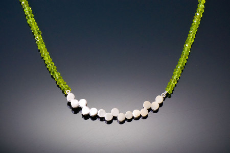 Stepping-Stones-on-Peridot-Necklace