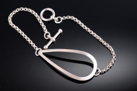 Teardrop Rolo Bracelet