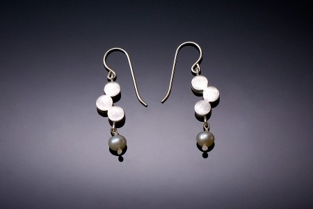 3 Dot Earrings with Pearls