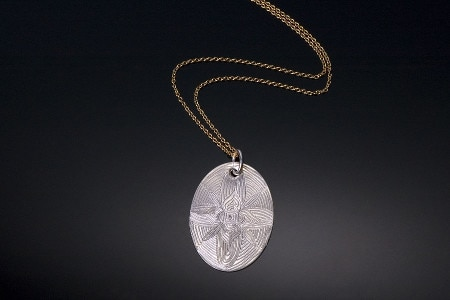 New-Engraved-Necklace-with-gold-chain