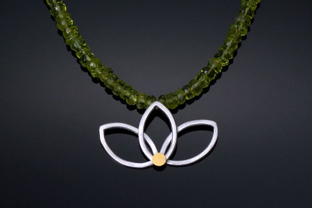 New-Lotus-Necklace-with-green-chain